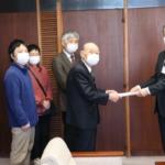 河口堰に反対し、長良川を守る会が請願を提出。3月3日、午後。